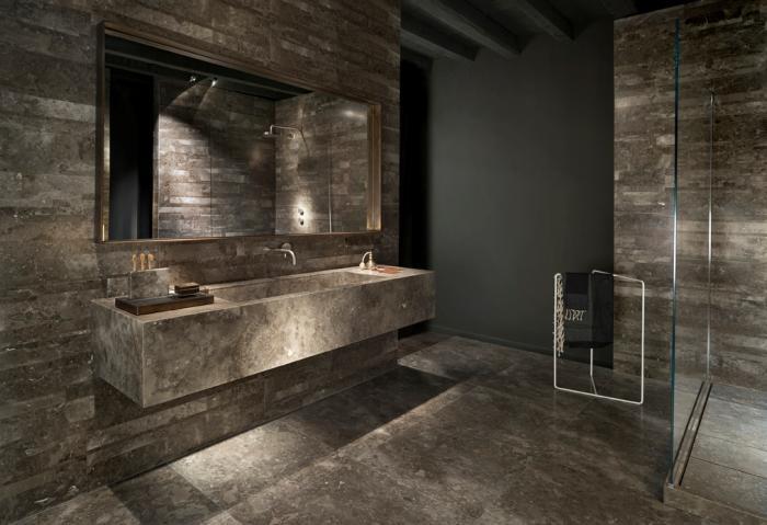חיפוי חדר רחצה מאבן טבעית חומה