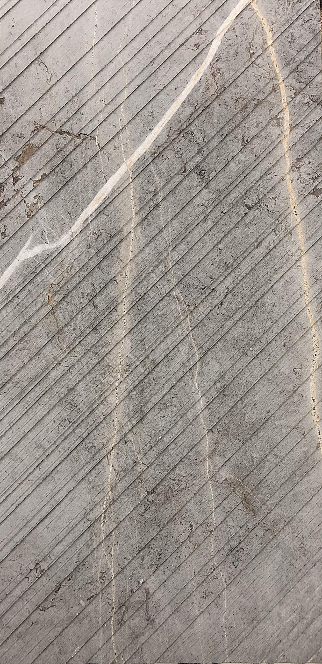 אבן חומה עם גידים זהב לחיפוי קיר בעיבוד מיוחד